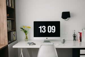How To Become A Successful Freelancer In 1 Month [1000$/mo]